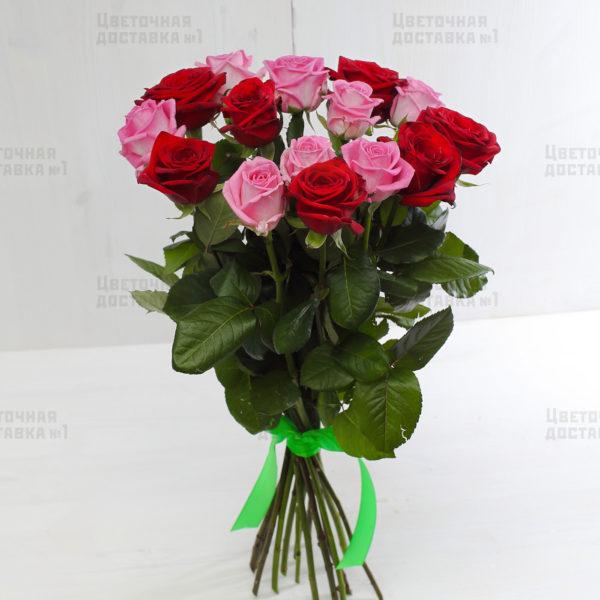 15 красно-розовых роз с СПб, есть доставка