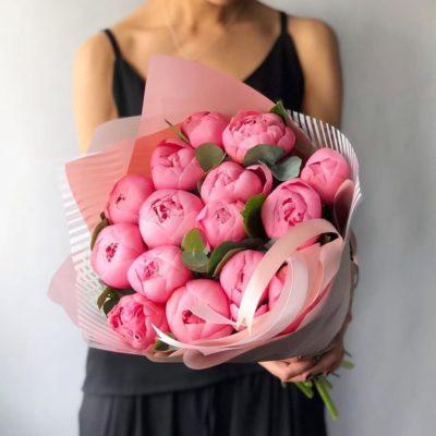 Розовые пионы в СПб, доставка на дом, цены